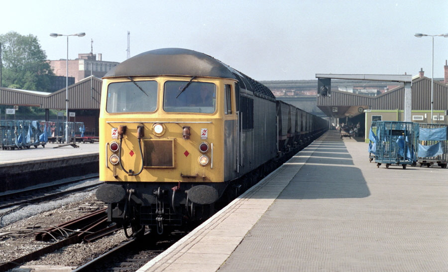 Class-56 with empty coal train, Leicester station