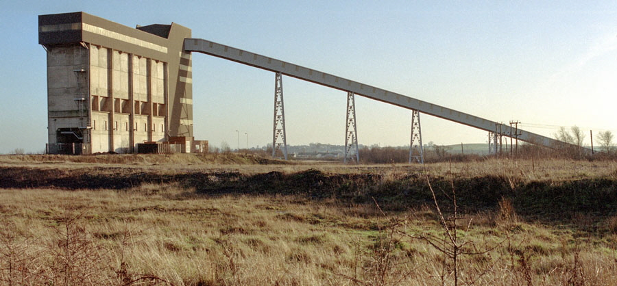 The disused rapid coal loader at Bagworth